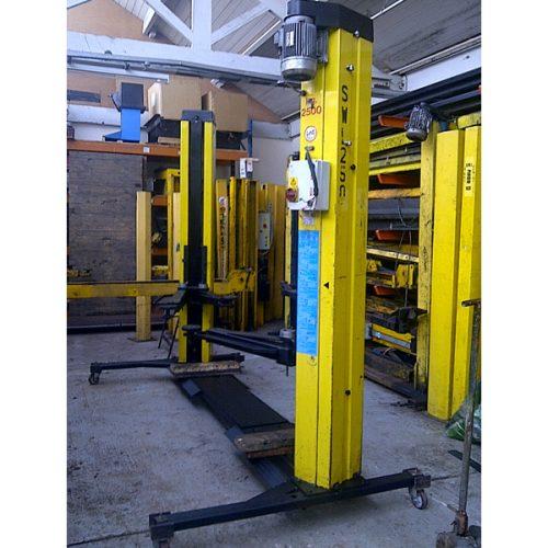 Stenhoj used 2 post lift